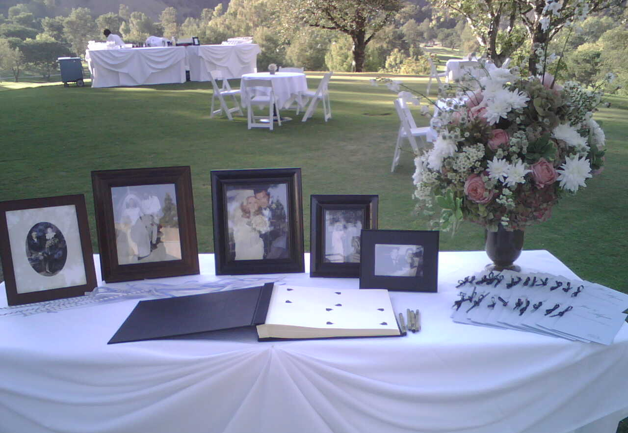 JoJo guest book sign in table inspiration photo 713420-11